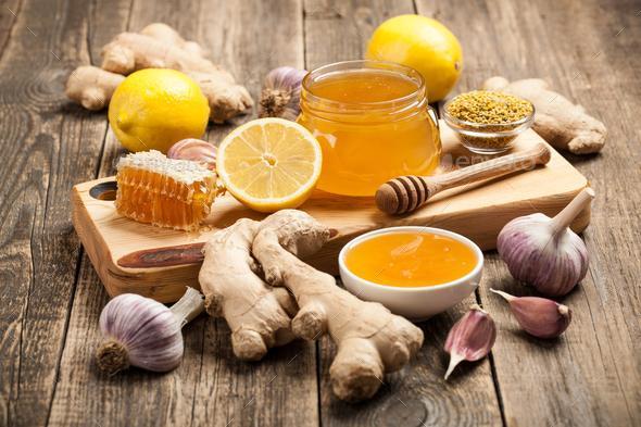 10 فایده نوشیدن صبحگاهی زنجبیل لیمو