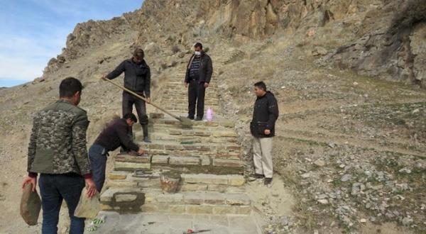 بازسازی و بازسازی پله های سنگی نقش برجسته خان تختی سلماس
