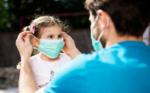 توصیه های کرونایی؛ به بچه ها بیاموزید که ماسک خود را با فرد دیگری تعویض نکنند