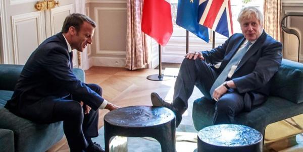 تور فرانسه: جانسون خشم پاریس را بر سر فسخ قرارداد زیردریایی به سخره گرفت